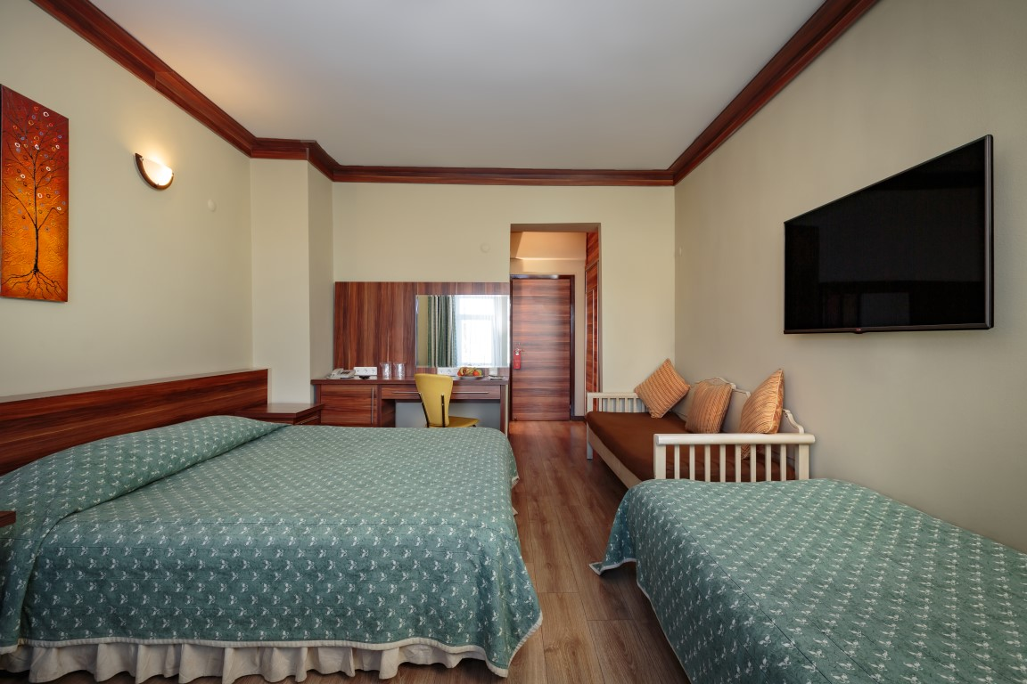Isperia Davraz Hotel
